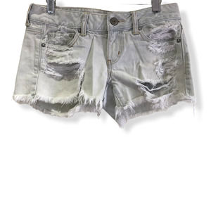 American Eagle Distressed Jean Shorts 2 Light Wash